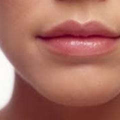 מילוי שפתיים בנתניה
